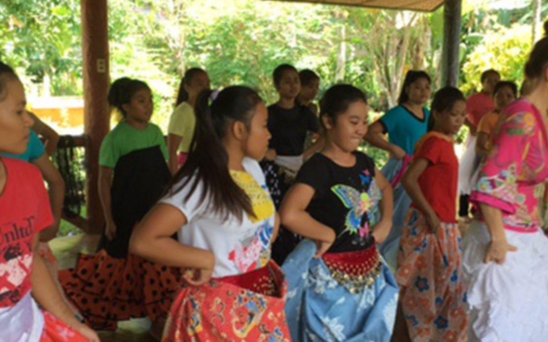 Dancers For the World : une mission de danse-thérapie auprès des jeunes filles et une belle rencontre !